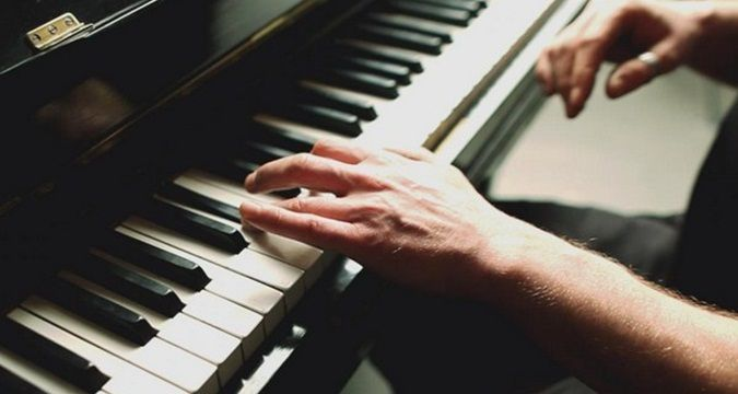Piano purchased for Crimean Tatar refugees