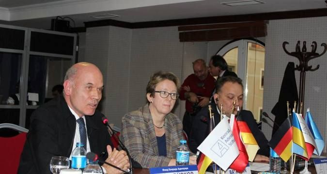 Istanbul hosts forum on Crimean issues