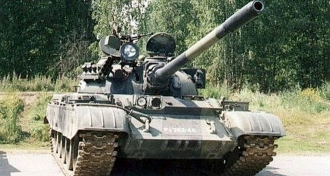 Russian living in Latvia terrorizes his neighbors with tank