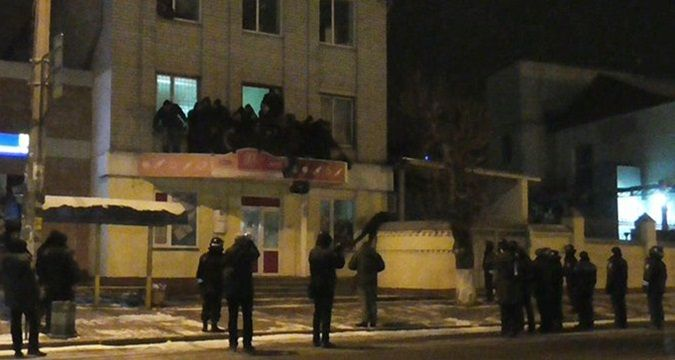 Activists stormed Zhytomyr confectionary factory (VIDEO)