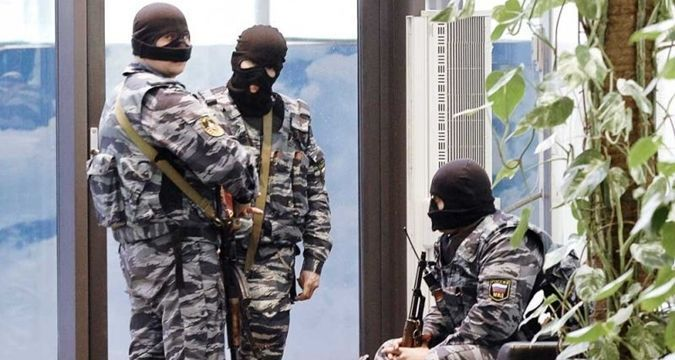 Police searching house of detained Crimean Tatar