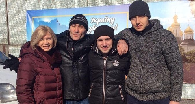 Ukrainian soldiers released from militants' captivity (PHOTO)