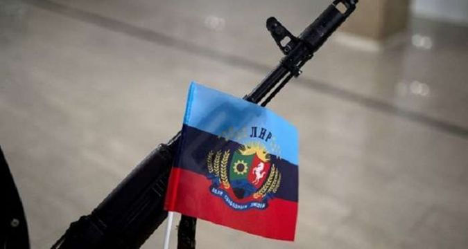 Residents of occupied Alchevsk refuse to pay 'authorities'