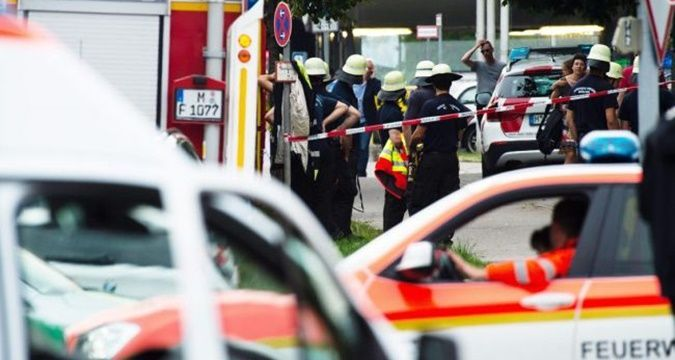 Munich police report 10 dead and 16 wounded