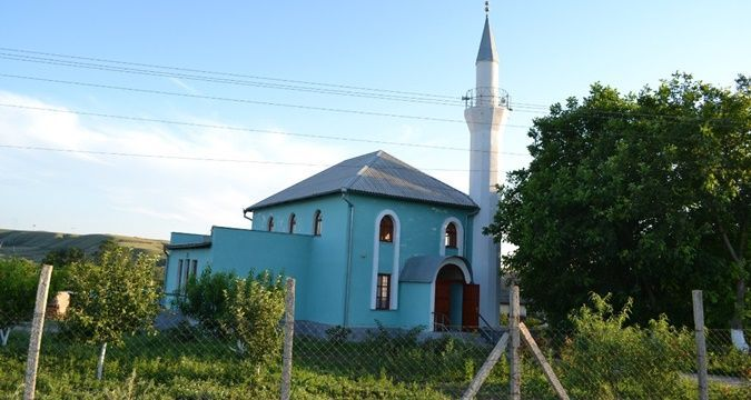 Unknown tried to set fire to a mosque in Crimea