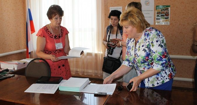 Slave test: Power takes census ahead of elections in Crimea