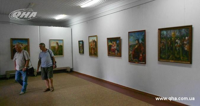 Pictures from war: Exhibition of 'Azov' fighter in Rivne