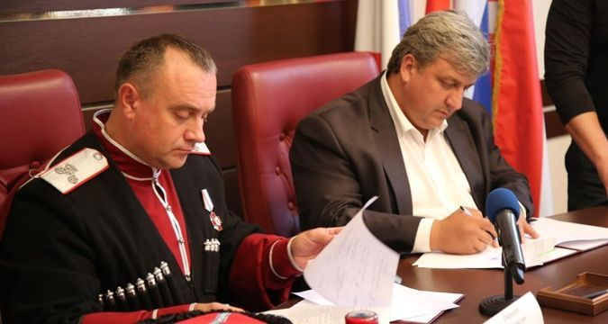 Kerch: Occupants entrust protection of order to Cossacks