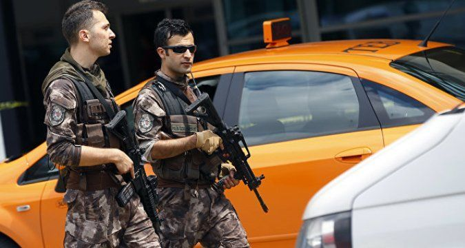 Two suicide bombers blow themselves up near Ankara