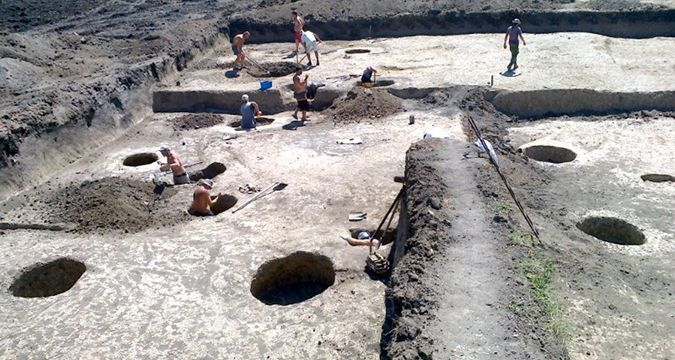 Crimea: Occupants to lay pipeline through ancient object