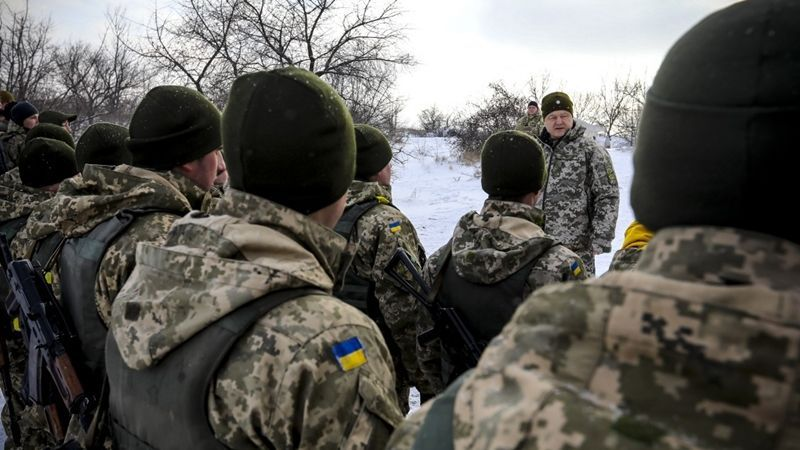 Front line: Poroshenko congratulates military with Day of AFU