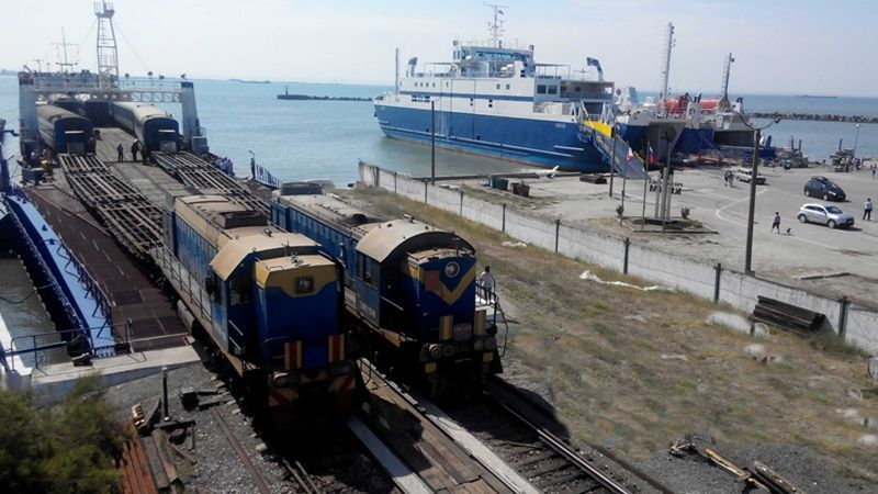 U.S. imposes sanctions on Crimean ports and railway