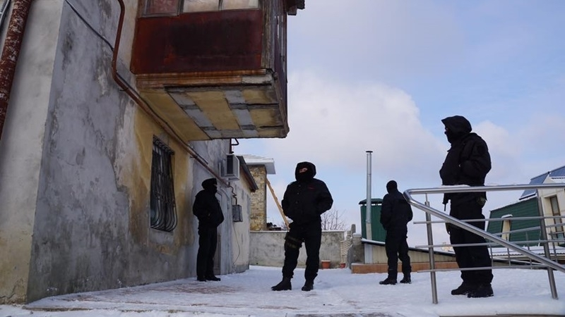 Lawyers searched and detained in Crimea (COMPLETED)