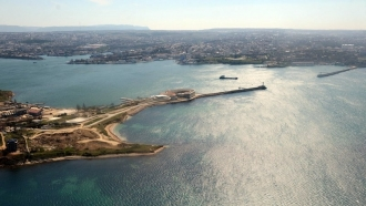 Expert: Chinese companies ignore business ban in Crimea