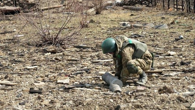 Sappers of Ukrainian Armed Forces hit a mine in Donbas
