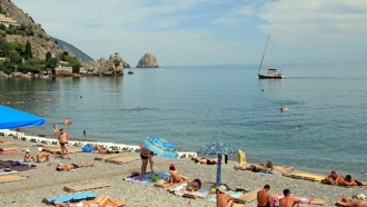 How many Ukrainians to spend holidays in Crimea this summer?