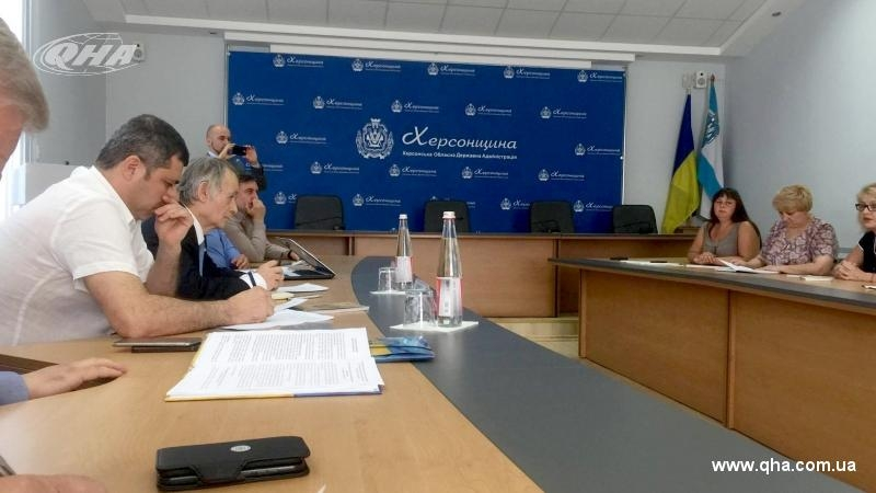 Dzhemilev discussing problems of Crimean immigrants in Kherson