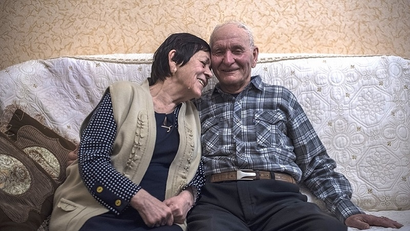Chiygoz's father: As I heard about son's release I ran to wife's photo