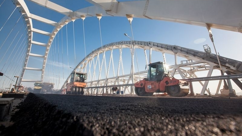 Invaders claim to have almost completed laying of asphalt on Kerch bridge