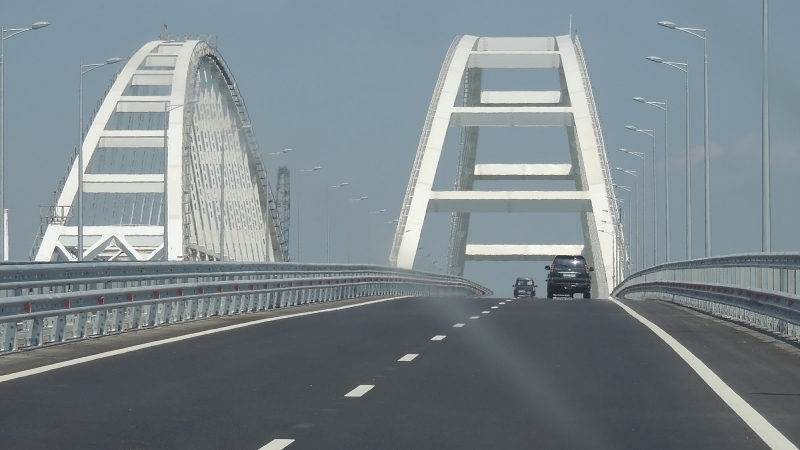 In September almost twice less cars drove across Kerch Bridge compared to August